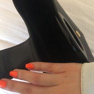 Louis Vuitton Bags - ✨💕Authentic Louis Vuitton Epi shoulder bag!💕✨